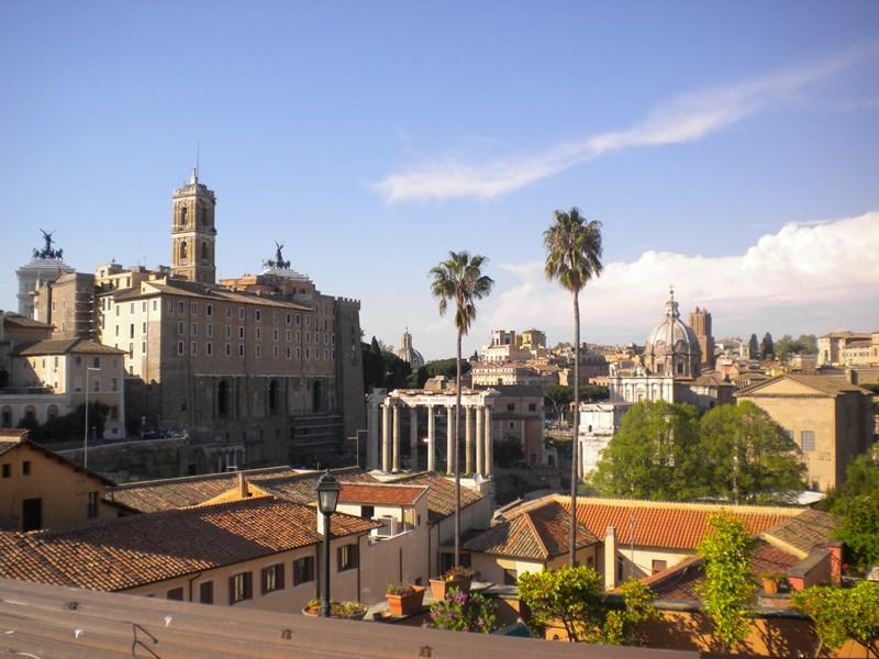 Roman Forum Terrace Penthouse: 160 Sqm + 120 Sqm Of Terrace