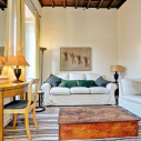 Rome > Trevi stylish apartment: Up to 2+2 people
