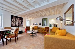 Monti charming apartment: Up to 2 people
