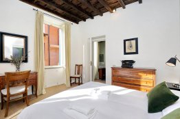 Trevi charming apartment: Up to 2+2 people