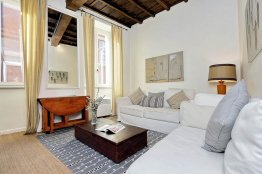 Trevi Charming Apartment - Rome Rental Apartment - 4 people