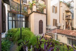 Spanish Steps luxury apartment: Up to 4+2 people