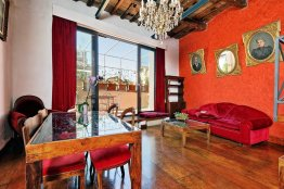 Trastevere affordable apartment for a couple