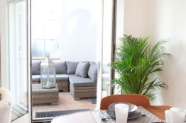 Trastevere bright apartment: Up to 2+2 people