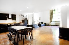 Spanish Steps Luxury Open Space Apartment