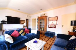 Campitelli elegant apartment: Up to 3+2 people