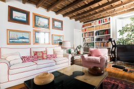 Farnese charming apartment: Up to 4 people