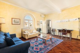 Trevi comfortable terrace apartment: Up to 4+2 people