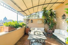 Saint Peter's luxury terrace attic: Up to 2+2 people