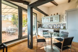 Rome apartment with a view on Saint Peter's cupola