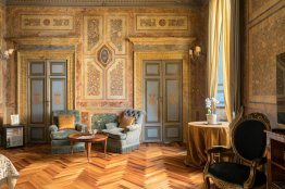 Spanish Steps luxury large apartment