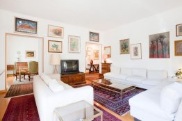 Spanish Steps large apartment for rent, Rome