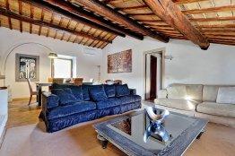 Elegant apartment close to Campo de Fiori, Rome | Up to 4 + 2 people