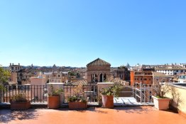 Spanish steps luxury penthouse with terrace for 6 people