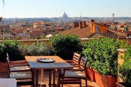 Apartamento de lujo con terraza en Barberini: Hasta 4 personas