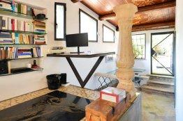 Testaccio Terrace Loft: Up to 2+1 people