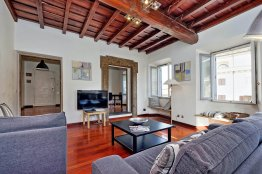 Farnese elegant apartment: Up to 4+2 people