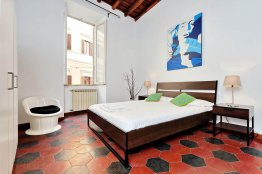 Trevi Fountain Spacious Apartment | Rome | Up to 4 People