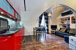 Campo de Fiori Stylish Apartment: Up to 4+2 people