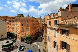 Campo de Fiori luxury terrace apartment: Up to 2 people