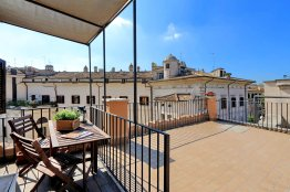 Arancio terrace loft: Up to 2 people