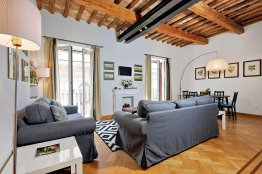 Barberini Lovely Apartment - Up to 4 people | Rome Apartment Rentals