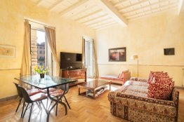 Rome Spacious Campo de Fiori apartment for a group up to 6 people