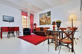Spanish Steps charming apartment: Up to 2+2 people
