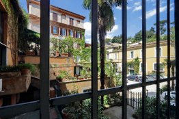 Spanish Steps Stylish Apartment | Rome | Up to 4 people