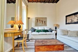 Trevi stylish apartment: Up to 2+2 people