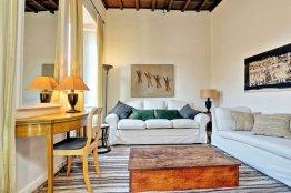 Apartamento con estilo en Trevi: Hasta 2+2 personas