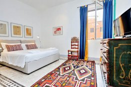 Spanish Steps house apartment: Up to 2+2 people