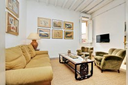 Spanish Steps apartment for rent in Rome