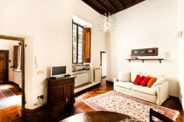 Campo de Fiori affordable studio apartment - Rome Center