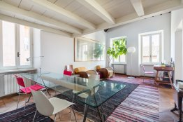 Collegio Romano apartment: Up to 2+2 people