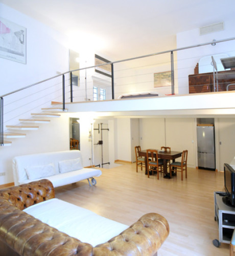 Jewish Ghetto apartment, Rome > Portico d'Ottavia
