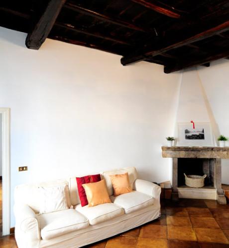 Fontana di Trevi elegant apartment: Up to 6+2 people