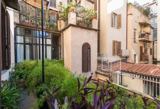 Spanish Steps Luxury Apartment - RomeLoft Rentals