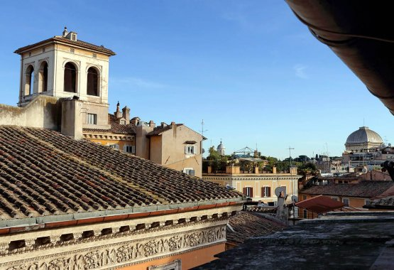 Elegant apartment close to Campo de Fiori, Rome | Up to 4 + 2 people