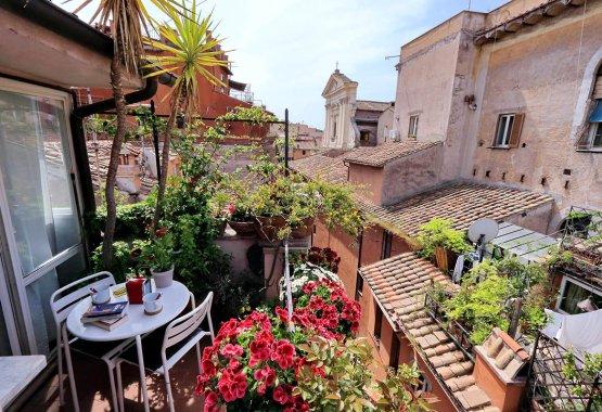 Trastevere luxury studio apartment - Up to 2 people   Trastevere area