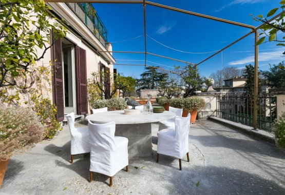 Rome Panoramic Terrace Apartment: Up to 5 %%page%% %%sep%% %%sitename%%