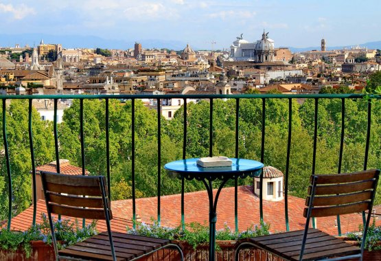 Sant'Onofrio Terrace View Apartment | Rome | Ideal for couples