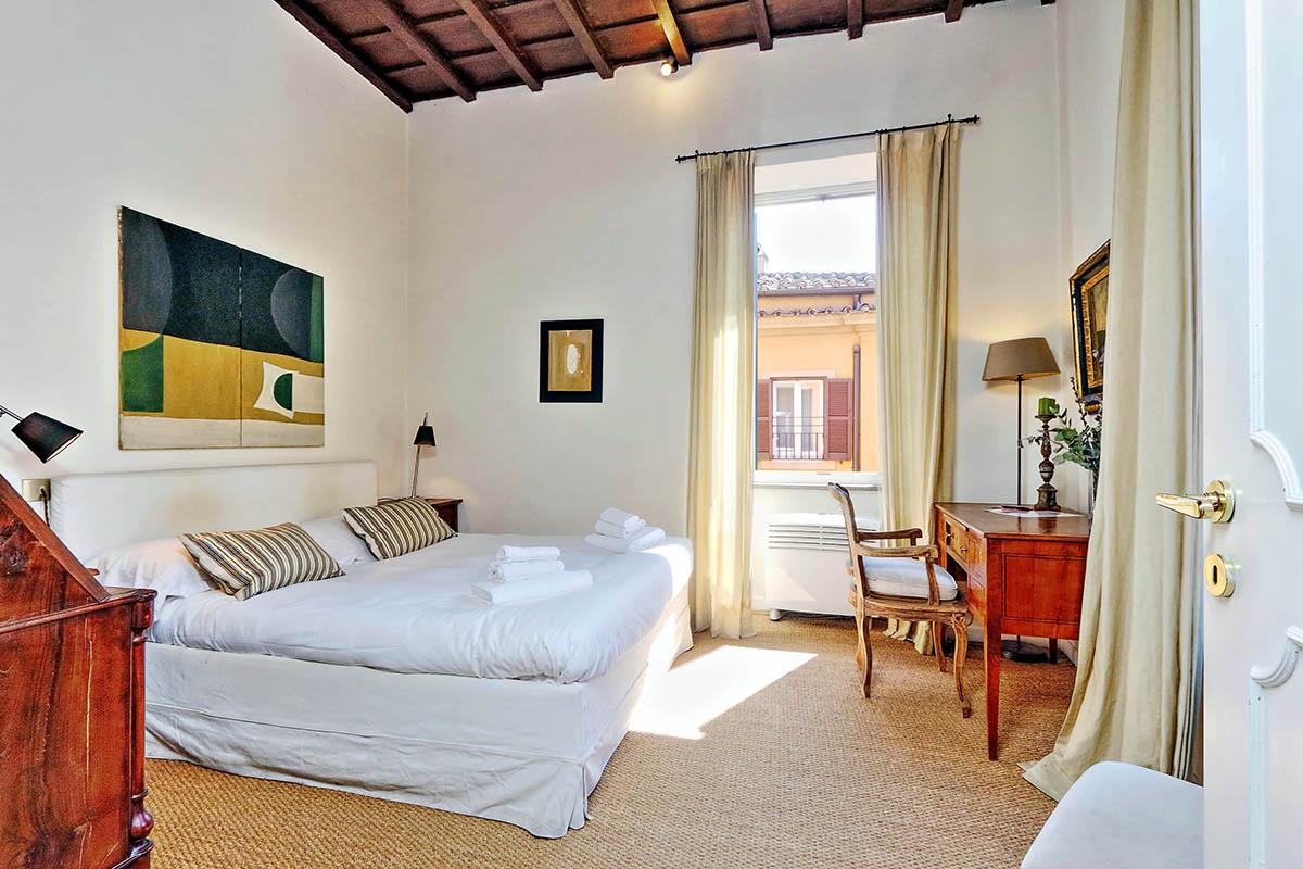Trevi Stylish Apartment - Rome Vacation Rental - 4 people