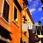 clothesline in rome trastevere