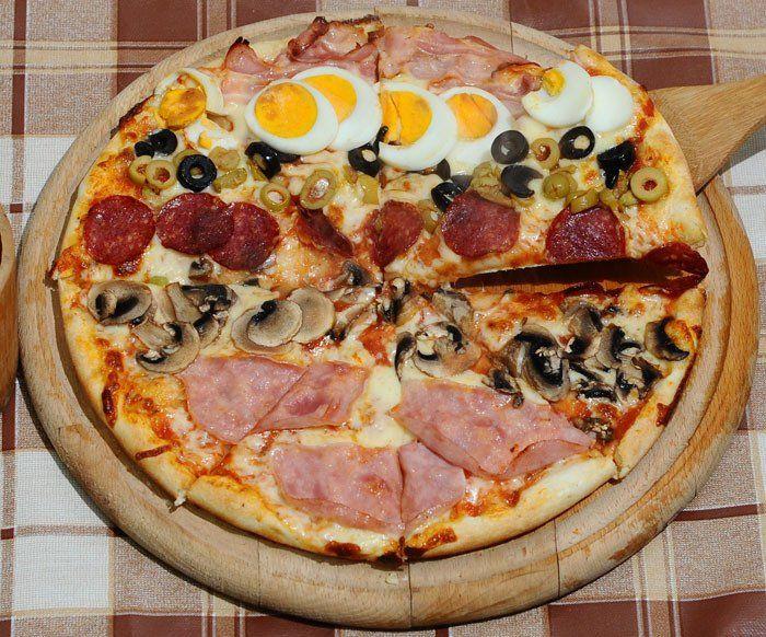 Colosseum Luzzi restaurant - great pizza in Rome