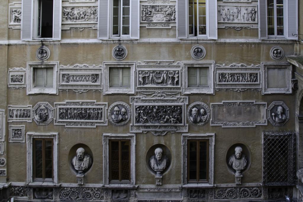 Inner courtyard of Palazzo Mattei