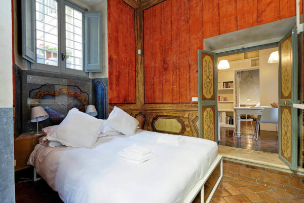 historic apartment for rent in rome